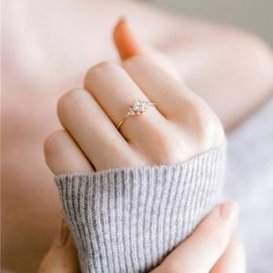 Jewelry - Dainty Delicate Crystal Ring size 7